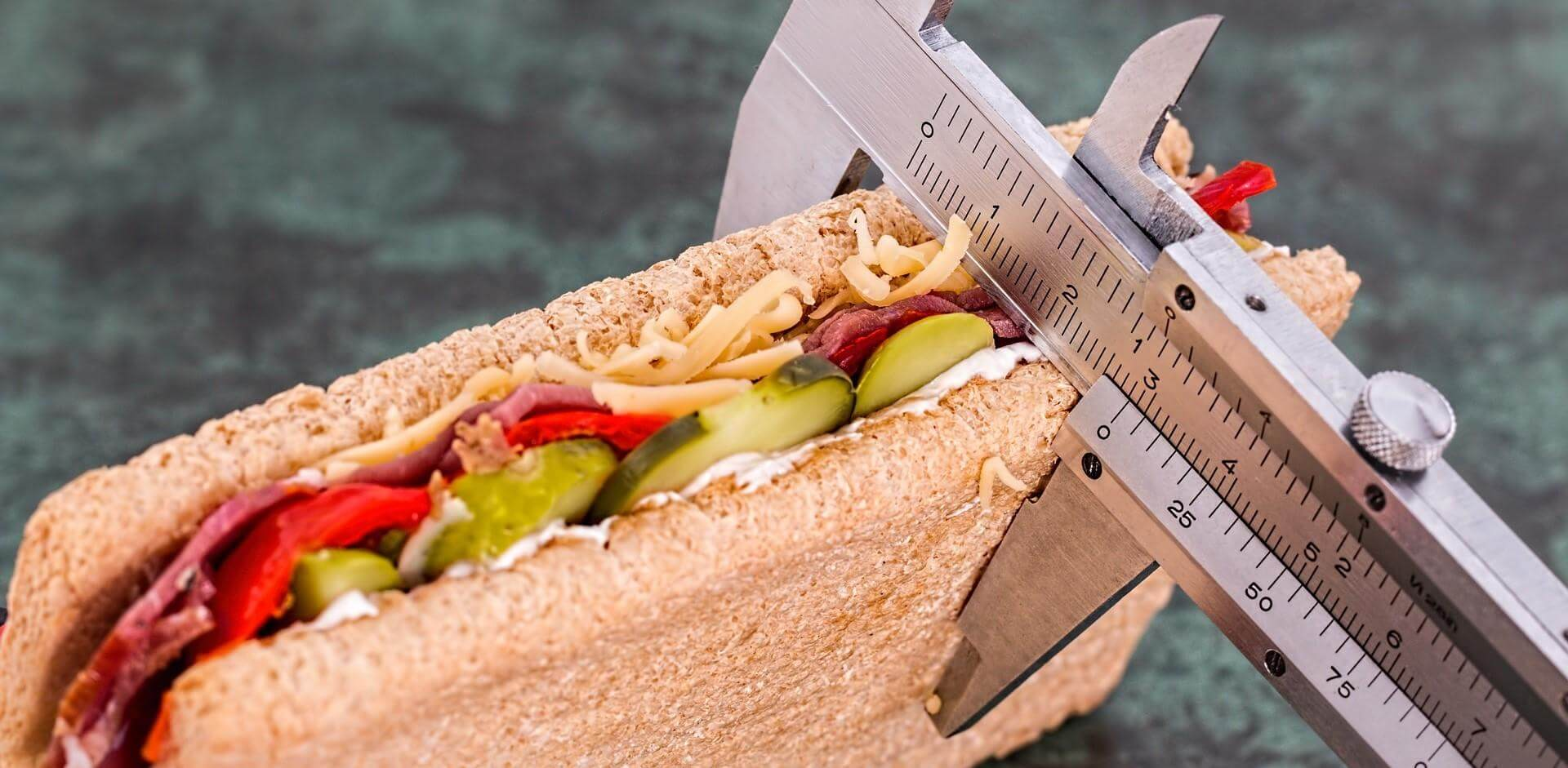 tool measuring the thickness of a sandwich